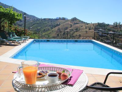 Photo for Beautiful house with pool and wifi ideal for families, pets welcome
