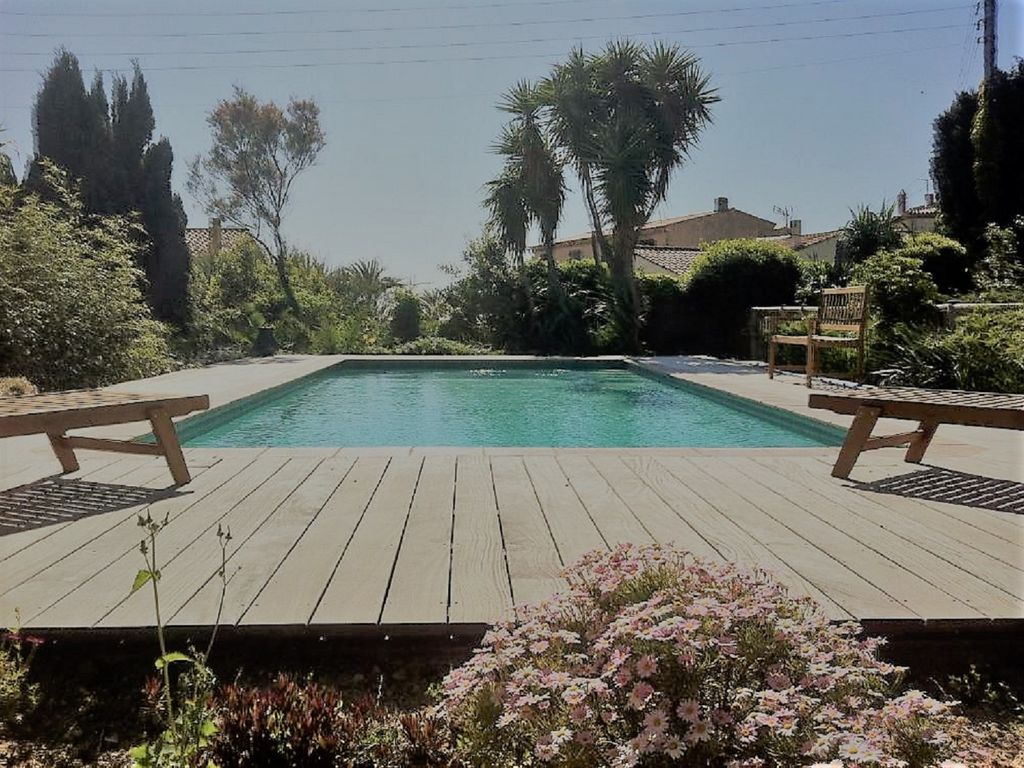So close from the beach village house with garden and for Garden 7 pool