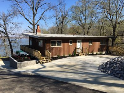 This 3BR, 2 BA house shares a point lot with just one other house.