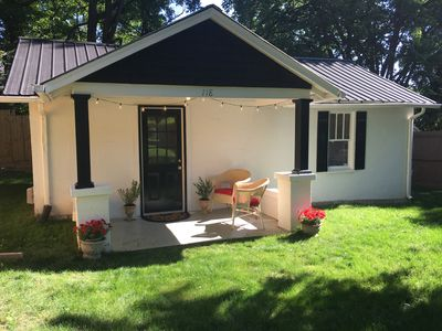 Photo for Peachtree Cottage! Comfy cottage minutes from downtown Nashville!!!