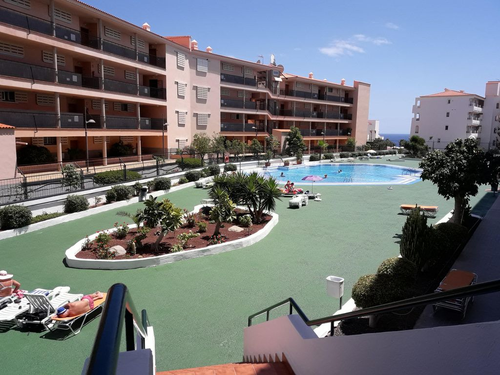 Summerland lc apartments los cristianos arona south for 7 summerland terrace