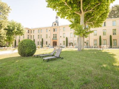 Photo for Studio with pool in garden Park, naerby spas and views at the Mont Ventoux.