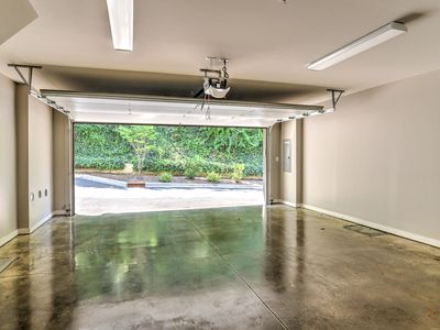 Photo for Private elevator, Roof top Terrace, New, Luxury Townhome