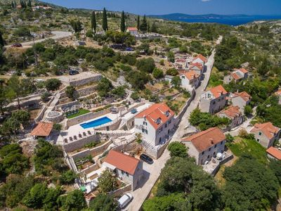 Photo for 5BR House Vacation Rental in Lozisca, Brac