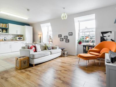 Photo for Funky & Contemporary 2bed between Pimlico&Victoria