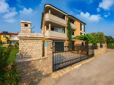 Photo for Apartment 813/11313 (Istria - Medulin), Beach front accommodation, 90m from the beach