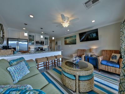 Photo for King Bed, Renovated. Gulf View, WiFi, Sleeps 6- Washer/ dryer in condo- WiFi