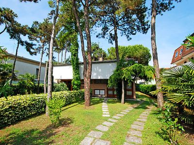 Photo for Vacation home Villa Giove in Lignano Pineta - 6 persons, 3 bedrooms