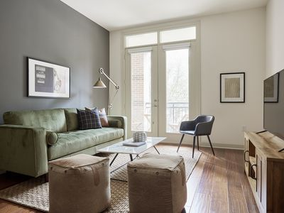 Photo for Lively 2BR in Uptown by Sonder