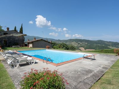 Photo for Villa in Vicchio with 4 bedrooms sleeps 10