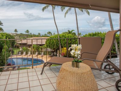 Photo for NEW LISTING! Beautiful space w/AC, WiFi, lanai & shared pools, walkable