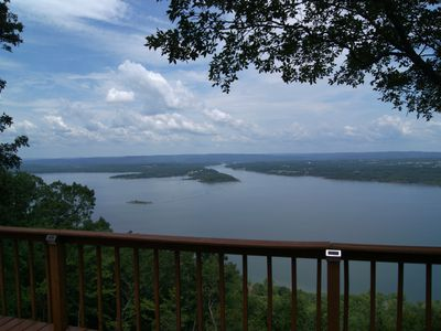 Photo for Overlooks Greer's Ferry Lake, 40,500 acres of clean, river-fed, deep water.