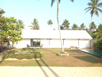 Ocean front villa with  private swimming pool - breakfast included