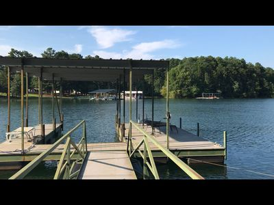 Photo for Relaxed lake retreat with level walk to dock