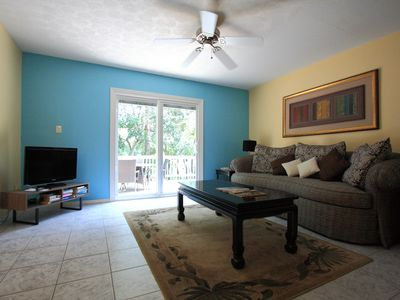 Photo for 2 Bedroom Apartment w/ outdoor deck - Downtown Sarasota, Excellent Location