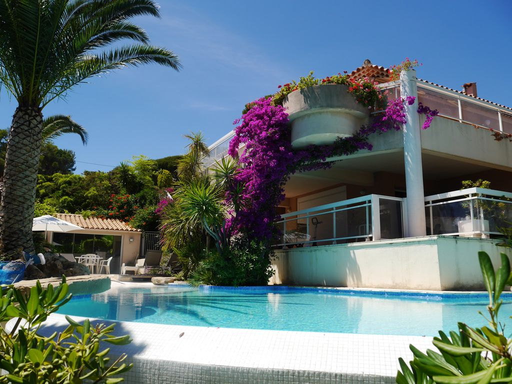 large and luxurious seaside villa air cond vrbo
