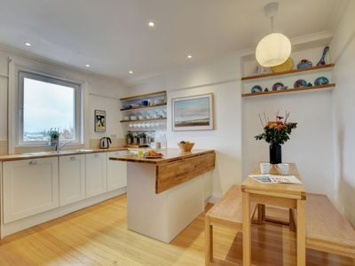 Photo for Apartment Bonne Vue in Brixham - 5 persons, 3 bedrooms