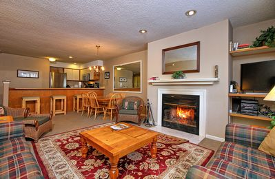 Photo for 3 bedroom Winterplace condo, Walk to the trail. Sleeps 6