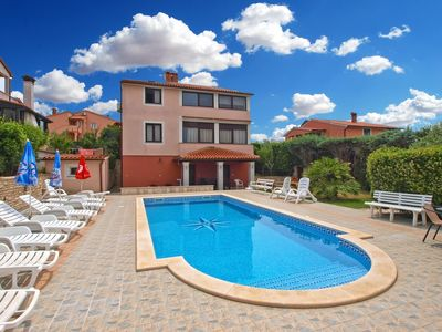 Photo for Holiday apartment Banjole for 6 persons with 3 bedrooms - Holiday apartment