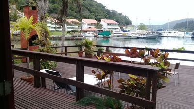 Photo for Comfort in front of the beach clean Exclusive in Angra dos Reis