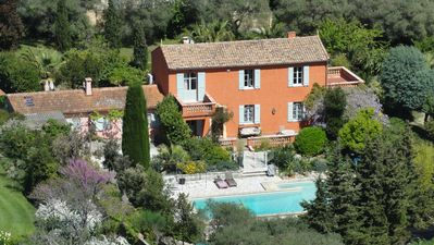 Photo for Large family villa of 1880 in Antibes Center, gr pool, close to the sea
