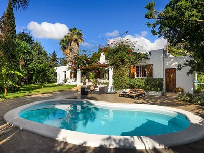 Photo for Charming House with A/C, Private Pool, only 850m from the Beach !