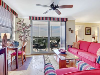 Photo for 10th Floor, Sweeping Views, Gorgeous Updated Studio Condo! Steps to Beach, Free Parking & WiFi!