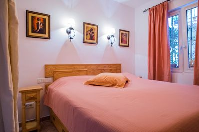 Casa Charlotte Ground or bottom floor:  King Size bed