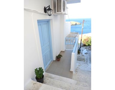 Photo for Classy Apt Near The Windmills Of Chora