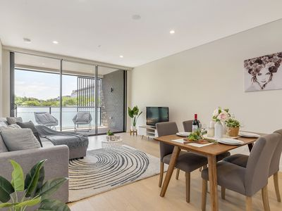 Photo for Modern 2BR Apartment 150m to ICC/Darling Harbour