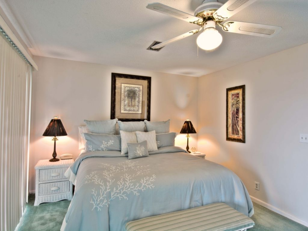 Family Friendly Condo - Steps to Beach! WIFI - Community Pool Relax 30A Style!