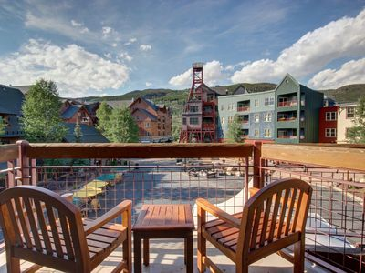 Photo for Two Bedroom property located in the heart of River Run! Best place to be for summer festivals and super close to the gondola. With a king in the master and queen over queen bunks, this is a great set up for any family.