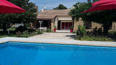 Photo for Large and quiet villa with pool in Salon-de-Provence