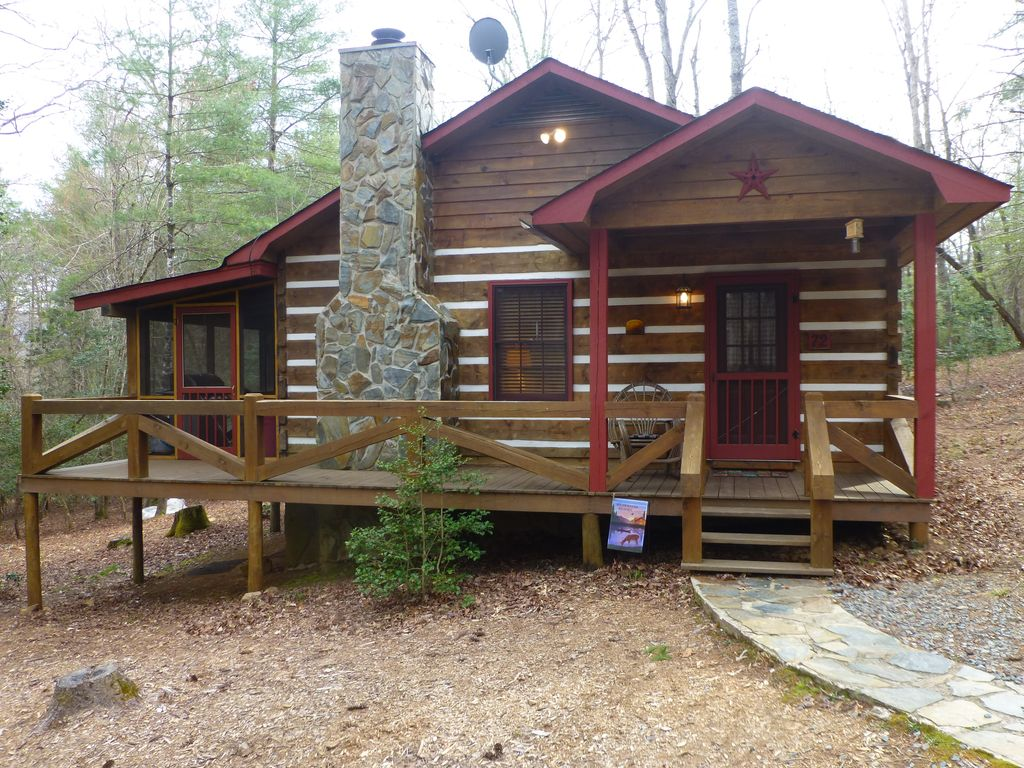 Affordable Mountain Cabin With Fireplace I Vrbo