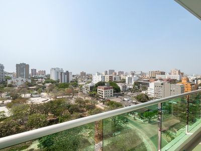 Photo for Stylish 3 Bedroom Flat with balcony, bbq