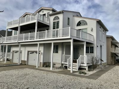 Photo for 4 Bedroom 2.5 bath townhouse condo located in the heart of Sea Isle City!