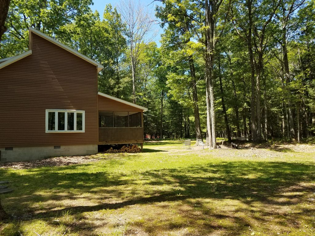 Cozy cabin in the heart of the big woods lock haven for Cozy cabins pa