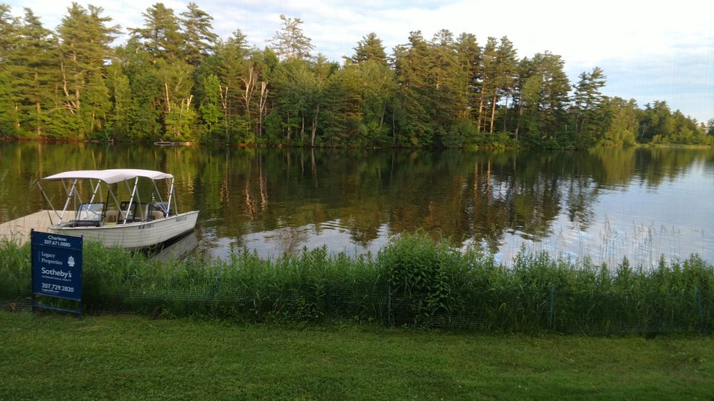 Adorable Cottage On Cobbossee Lake East Winthrop Maine
