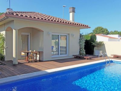 Photo for Beautiful villa with private swimming pool at 1.5 km from the beach