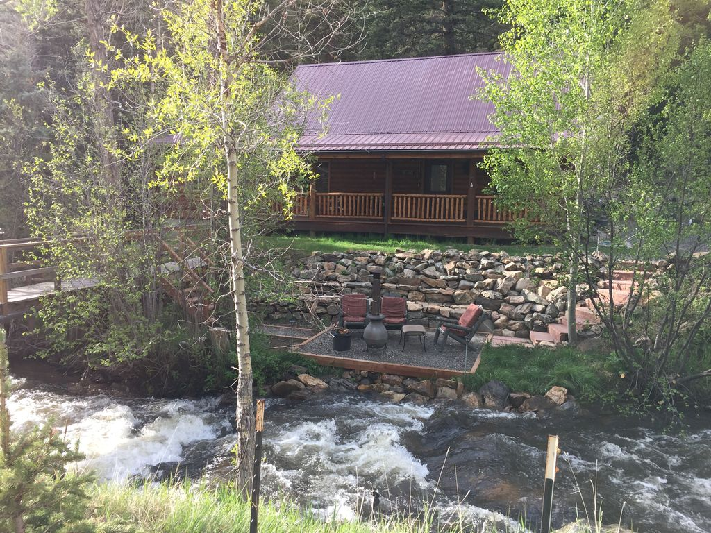 Property Image#3 Arapaho Cliffs Log Cabin On Chicago Creek