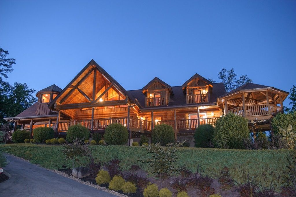 High end luxury large log cabin with sauna and hot tub for Log cabin with hot tub one night stay