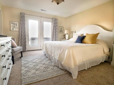 Seabiscuit Cottage #05 the cottage with a spectacular view! Pet friendly with fe