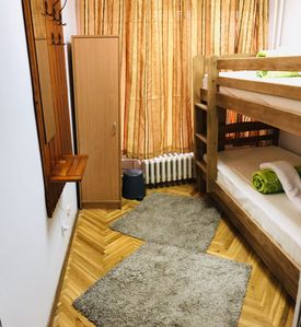 Wood Suites - Comfortable Private Rooms with Bunk Beds