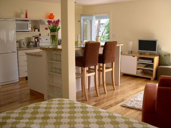 Victoria, ~BC~ - Fully Furnished-Self Contained Garden Suite