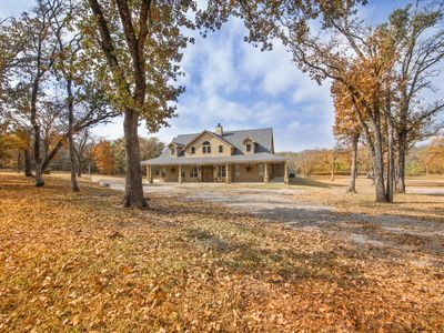 Photo for Fantastic large country cabin on 18 wooded acres!