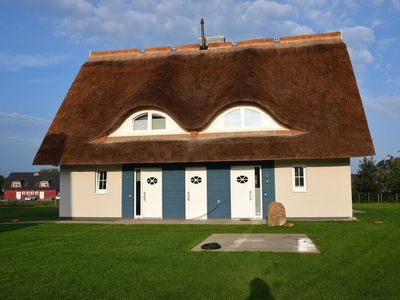Photo for Thatched cottage WE 01 - Huus Marga - House half