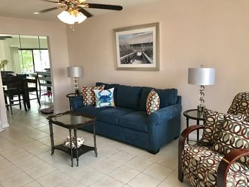 January & March Special Rates! Bright & Spotless TH, No Damage by Irma!