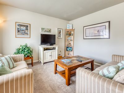 Photo for Cozy, family-friendly home with a full kitchen, screened-in porch & large yard