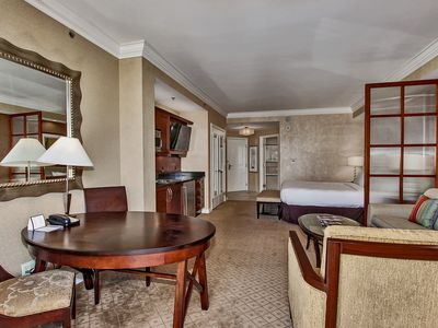 Signature at MGM Grand Deluxe Suite
