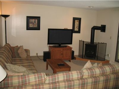 Photo for 2 Bedroom Condo In The Heart Of Smugglers Notch Resort